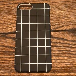 Accessories - Black and white grid iPhone 6/7/8+ case